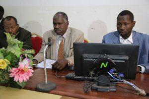 مدير الجامعة يترأس إجتماع لجنة ميزانية الكليات التعليمية
