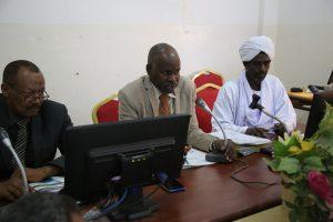 مجلس اساتذة جامعة القرآن الكريم وتأصيل العلوم يستكمل إجازة نتائج الفرقة الرابعة بعدد من الكليات.