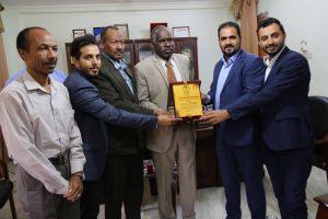 وفد من إتحاد الطلاب اليمنيين بالسودان يزور جامعة القرآن الكريم وتأصيل العلوم